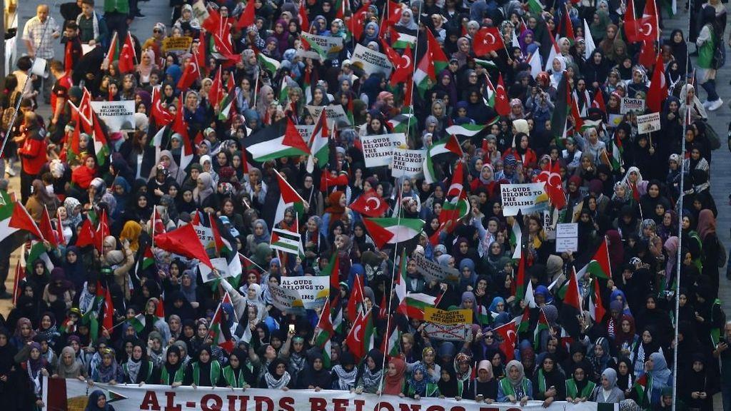 Ribuan Warga Turki Protes Kedutaan AS di Yerusalem
