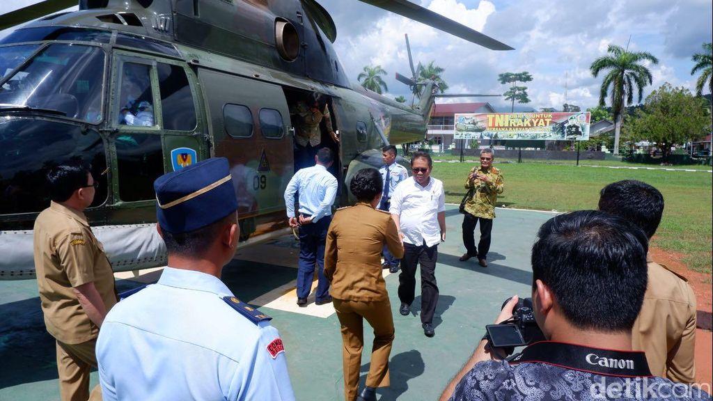 Saat Menkominfo tiba di Kota Singkawang. Disambut langsung oleh Wali Kota Singkawang Tjhai Chui Mie. Foto: detikINET/Adi Fida Rahman
