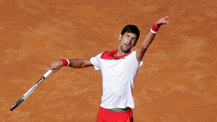 Novak Djokovic menang mudah di babak pertama  Italia Terbuka 2018 (Foto: Max Rossi/Reuters)