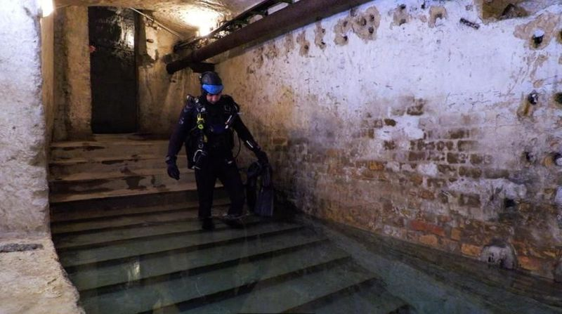 Dunia tersembunyi itu bernama tambang batu kapur Kobanya. Letaknya sedalam 30 meter di bawah Kota Budapest, Hungaria (BBC Travel)