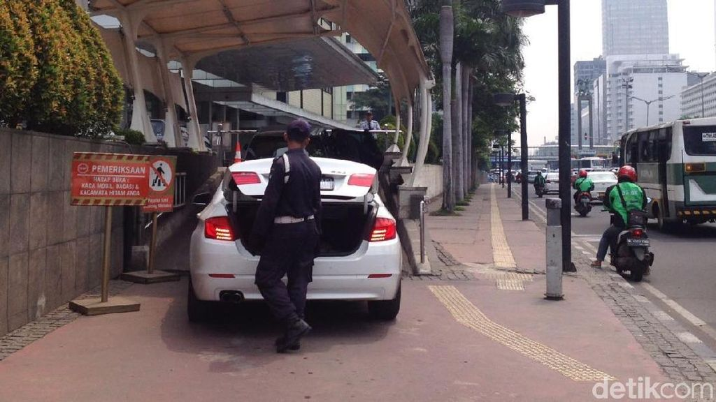 Begini Ketatnya Penjagaan Mal di Jakarta Pasca Bom Surabaya