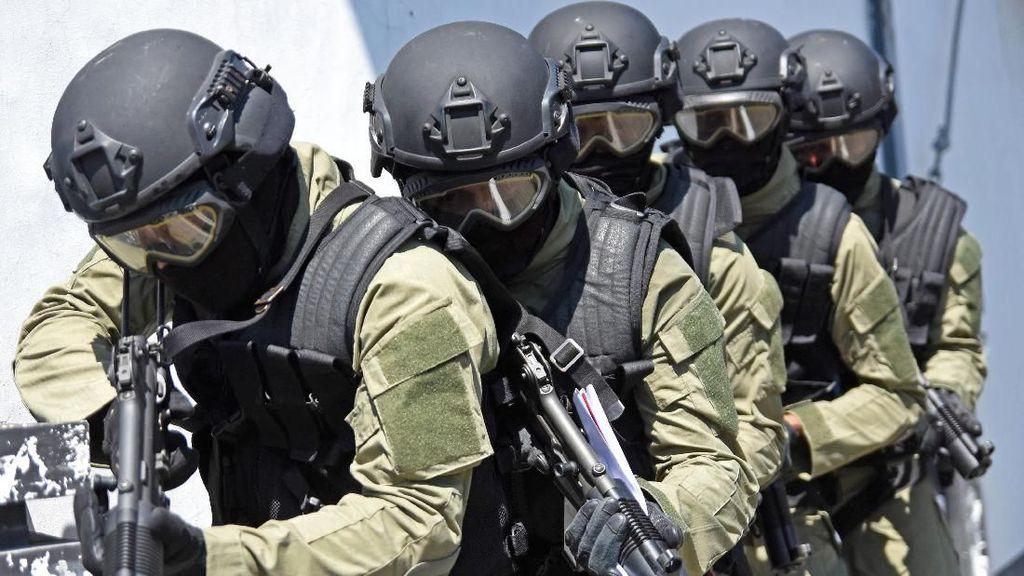 Dibayangi Aksi Teror, IHSG Diserbu Aksi Jual