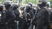 Densus 88 Geledah Rumah Kontrakan Terduga Teroris di Depok