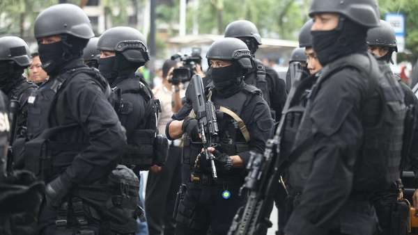 Teroris yang Baku Tembak dengan Densus di Surabaya Jaringan JAD