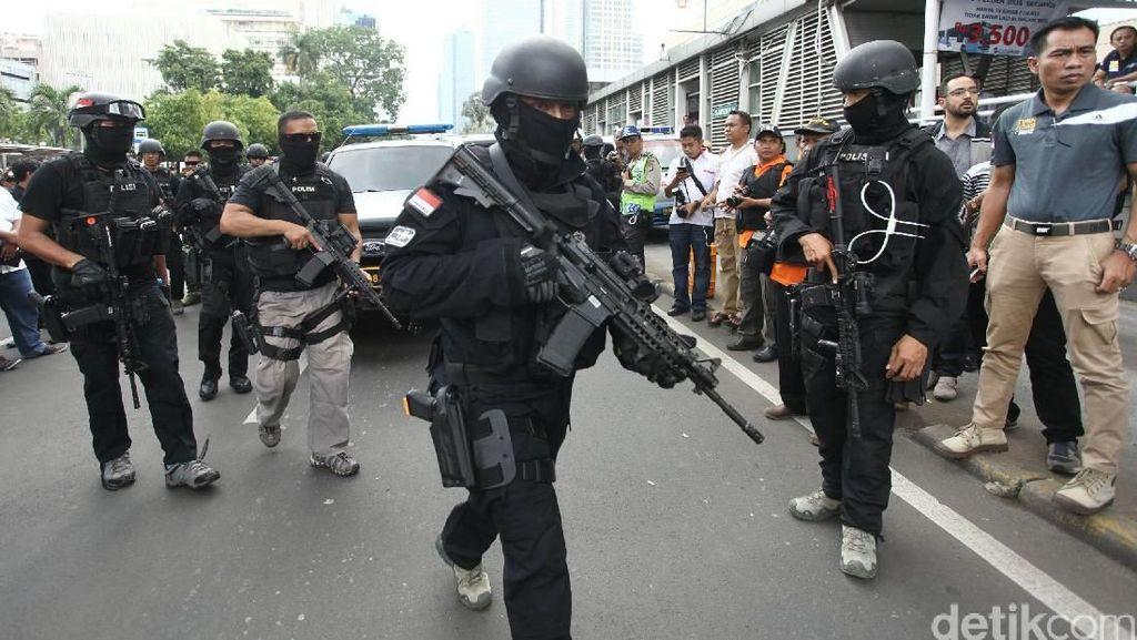 Polisi Masih Lakukan Perburuan Guru Dita, Bomber Gereja Surabaya