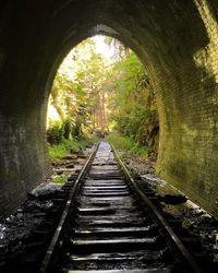 Terowongan ini dulunya bekas jalan kereta api (randomphotohouse/Instagram)