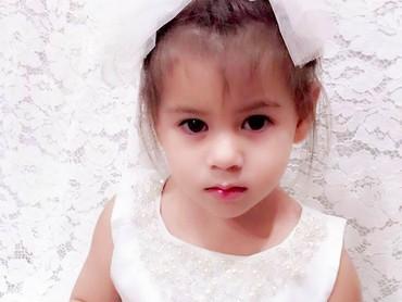 Sehat-sehat terus gadis kecil kesayangan Bunda Siti dan Ayah Cem Junet Perk. (Foto: Instagram/ @siti_kdi_perk)