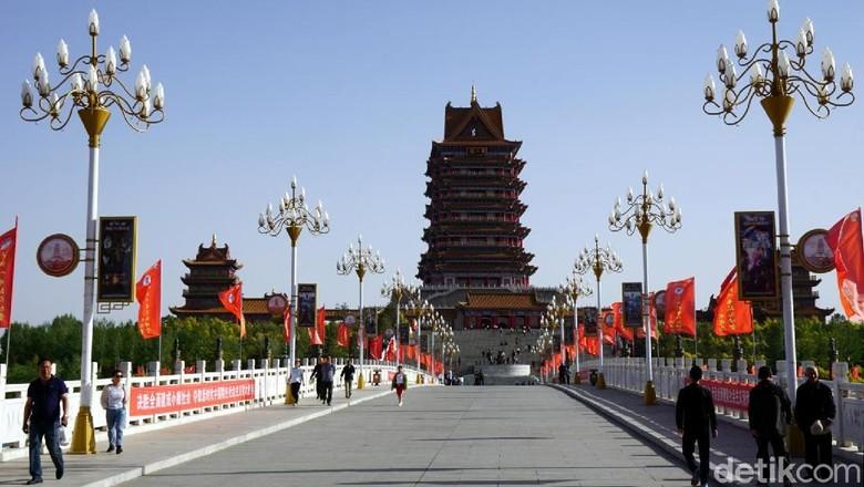 Yellow River Tower yang fotogenik di Wuzhong, China (Wahyu/detikTravel)