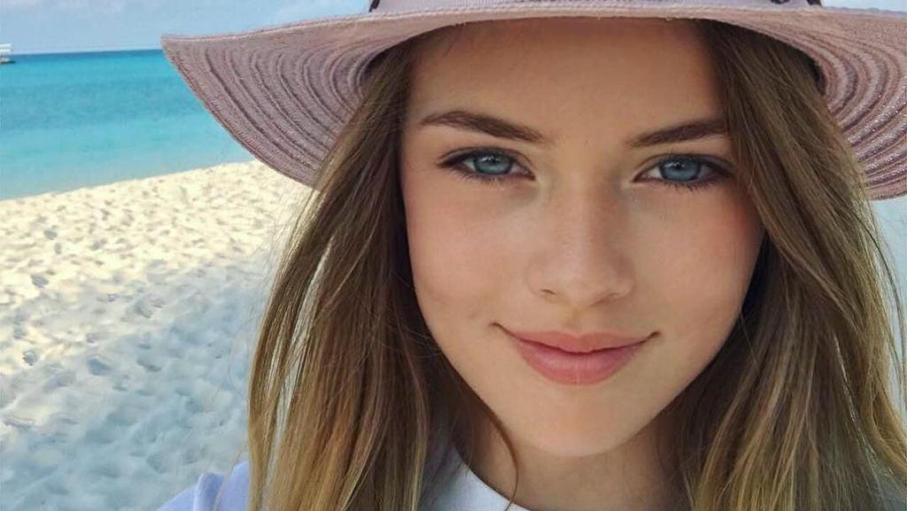 Foto: Si Gadis Cilik Tercantik Sedunia Itu Suka ke Pantai