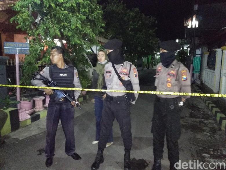 Warga Dilarang Mendekat ke Rumah Terduga Teroris di Probolinggo