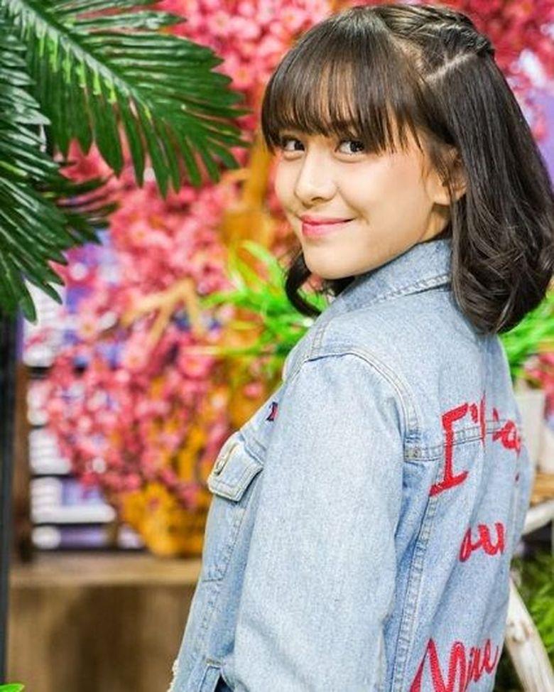 Zara menjadi salah satu personil JKT 48 yang terpilih untuk membawakan single baru mereka yakni Uza. (Dok. Instagram/jkt48.zara)