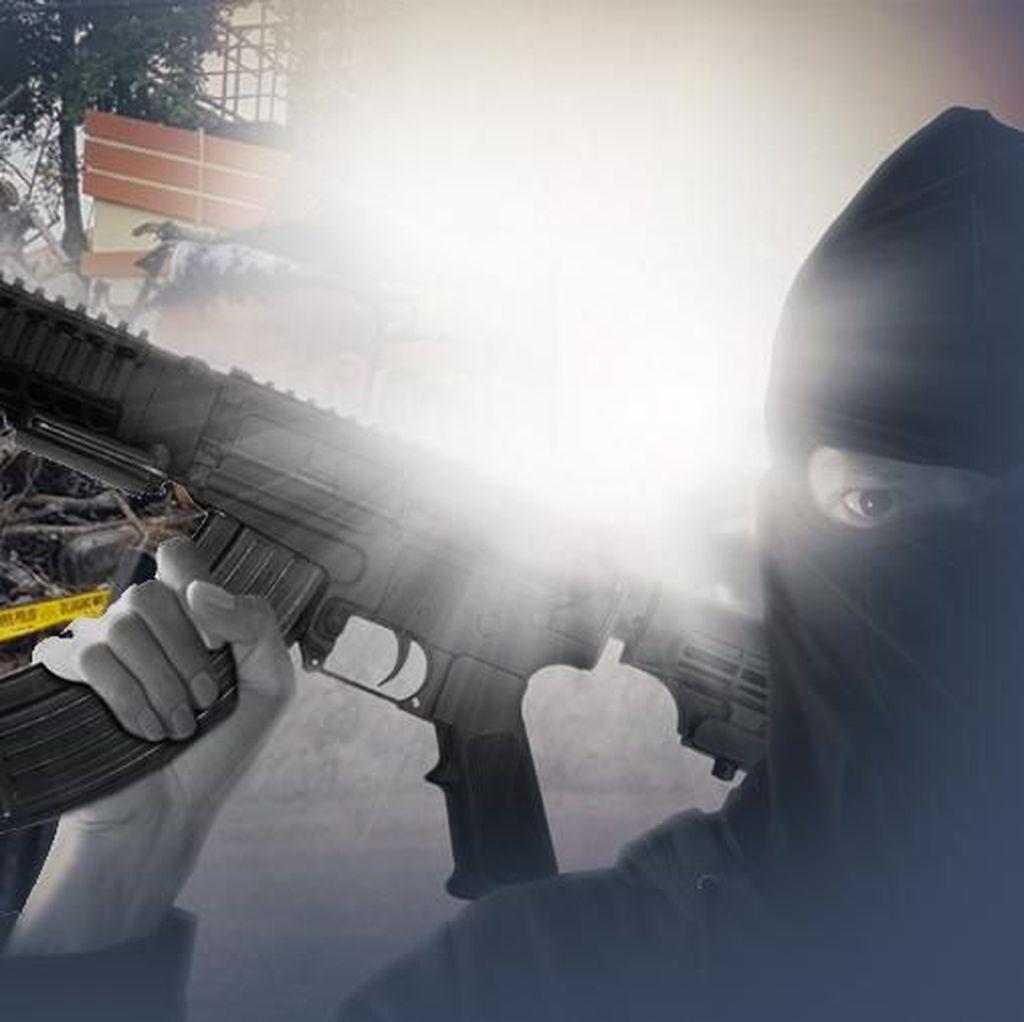 Densus Sita Aneka Senjata Api di KontrakanTerduga Teroris Bandung