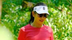 Fitri Ismiyanti adalah seorang dosen di salah satu universitas di Surabaya. Di sela kesibukannya mengajar ia menganut gaya hidup aktif yang patut dicontoh.
