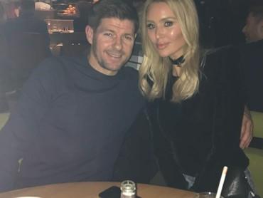 Steven George Gerrard atau yang akrab disapa Steven Gerrard menikah dengan Alex Curran sejak Juni 2007. (Foto: Instagram/stevengerrard)