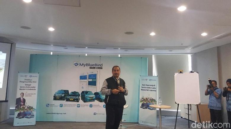 Menpar Arief Yahya di kantor Bluebird (Syanti/detikTravel)