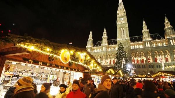 Walaupun jam operasional toko di Wina, Austria lebih pendek, tapi barang fashion di sini beragam dan harganya lebih bersahabat di kantong (Dieter Nagl/AFP)