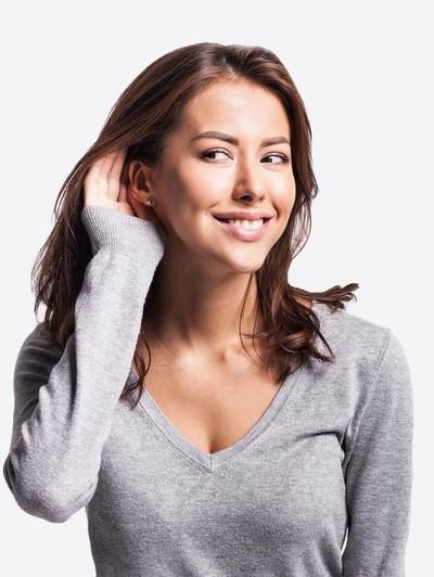 Ilsutrasi wanita mendengar suara. Foto: Dok. Thinkstock