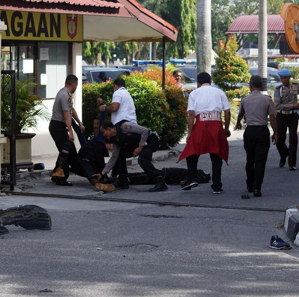 Polisi Riau dan Jambi Hadapi Serangan Musuh Bersajam