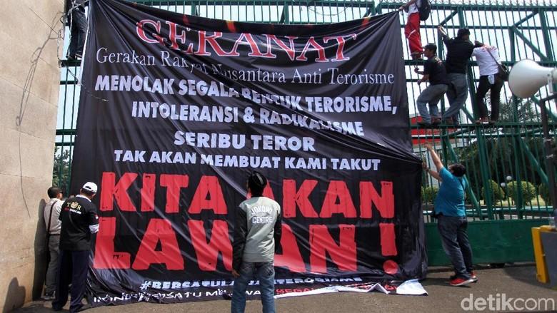 Perempuan Melawan Terorisme