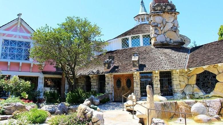 Foto: Madonna Inn di Amerika Serikat (Madonna Inn)