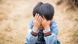 Kisah Sedih Kakak-Adik yang Dikucilkan karena Fisiknya Berbeda
