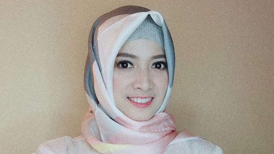 Kenakan Hijab, Chika Jessica Banjir Pujian