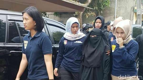 Istri Terduga Teroris Tangerang Ikut Diamankan, Ini Penampakannya