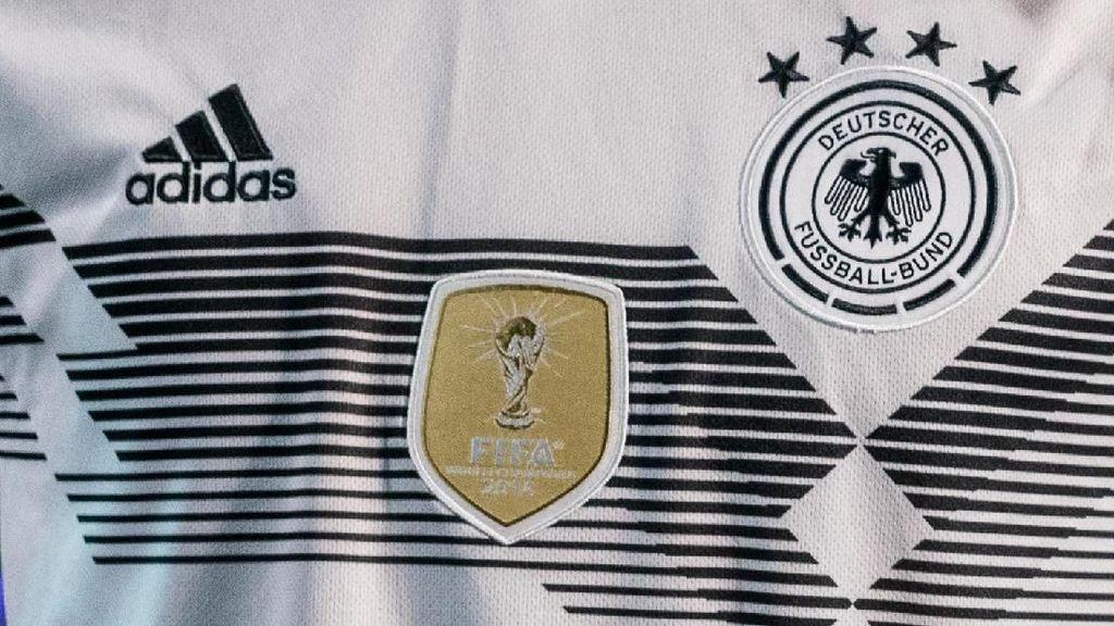 Wuih! Jersey Tim Jerman Ludes Terjual di Tanah Abang