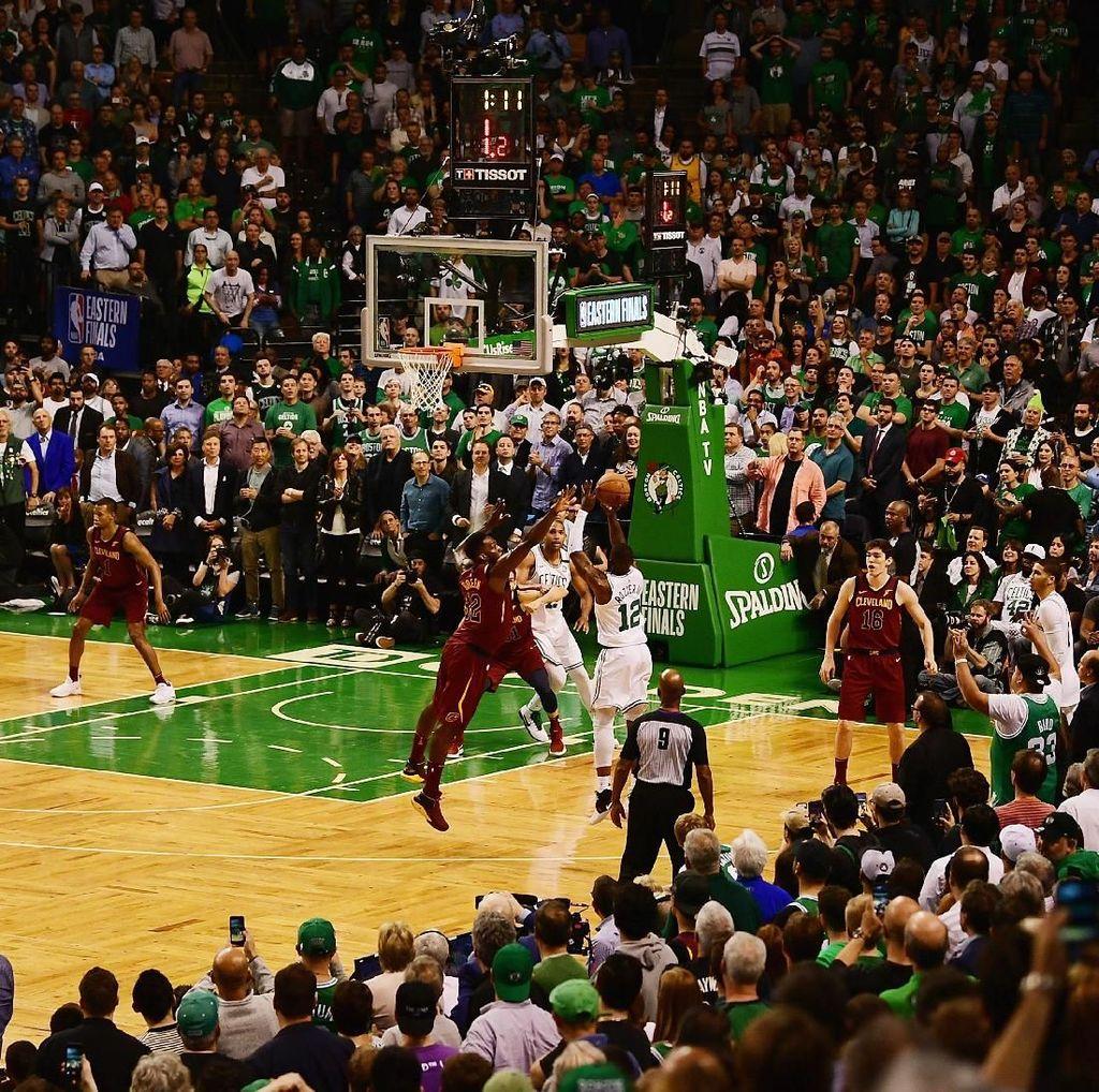 LeBron 42 Poin, tapi Cavs Kalah Lagi di Boston