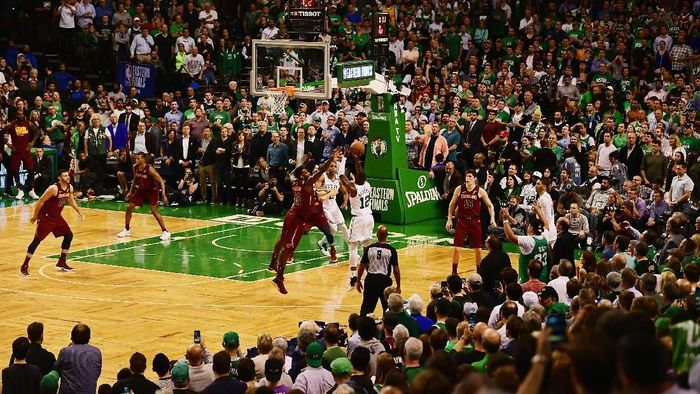 Cleveland Cavaliers tertinggal 0-2 dari Boston Celtics di final Wilayah Timur NBA. (Foto: Billie Weiss/Getty Images)