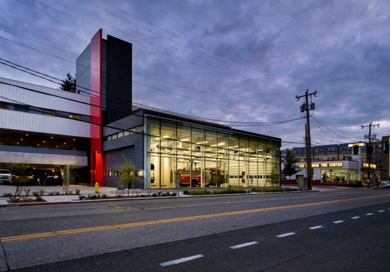 Perusahaan arsitektur Bohlin Cywinski Jackson mendesain gedung kantor pemadam kebakaran Seattle Fire Station 32 di Alaska Junction di West Seattle. Istimewa/Inhabitat.com