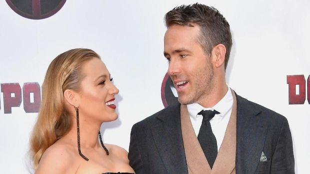 5 Pasangan Hollywood Ini Bukti Beda Usia Puluhan Tahun Bukan Halangan