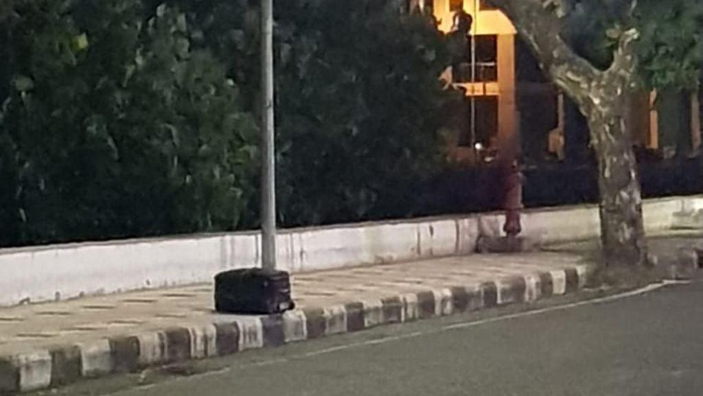 Koper Mencurigakan yang Diamankan Polisi di Manado Berisi Kosmetik