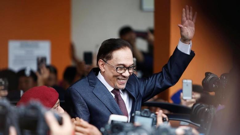Dapat Pengampunan Penuh, Anwar Ibrahim Bebas Terjun ke Politik