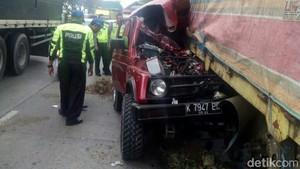 Mobil Tabrak Truk di Pantura Demak, 1 Orang Tewas Seketika