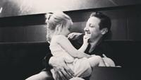 Jeremy Renner dikenal sebagai superhero yang sangat mencintai keluarganya di film Avengers. Dok.Instagram/renner4real