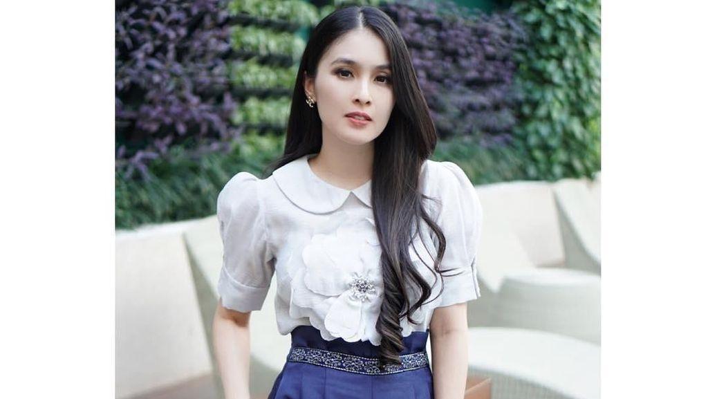 Curhat Istri Mirip Gajah, Pria Ini Dapat Balasan Makjleb dari Sandra Dewi