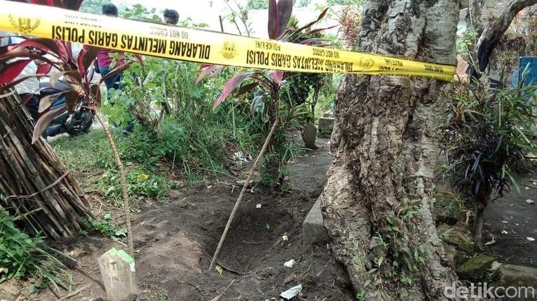Identitas Jasad yang Terkubur dengan Kaki di Atas Tanah Terungkap