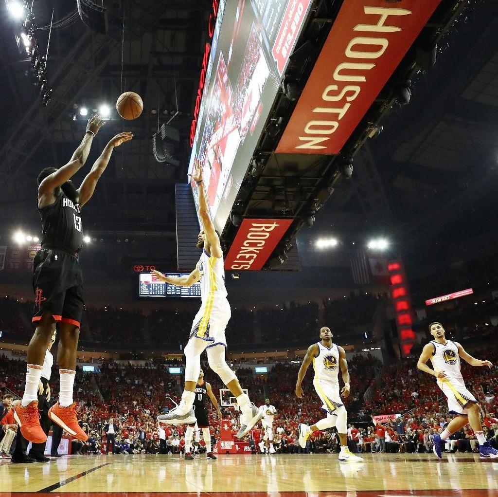 Hajar Warriors di Gim Kedua, Rockets Samakan Kedudukan