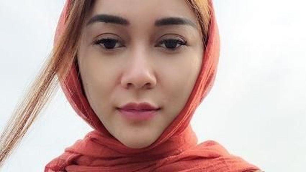 Belum Siap Berhijab, Aura Kasih Ingin Dalami Islam Lebih Jauh