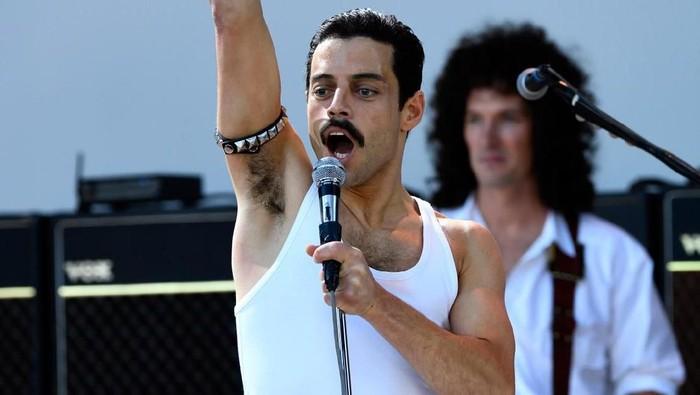 Rami Malek sebagai Freddie Mercury di film Bohemian Rhapsody.