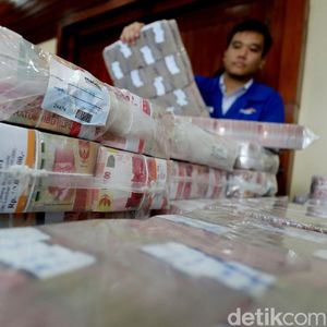 Prabowo Sebut Utang Indonesia Berbahaya, Ini kata Ekonom