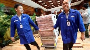 Penampakan Tumpukan Uang Senilai Rp 87 M