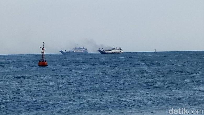 Ada Puluhan Penumpang Saat Kapal Tujuan Banyuwangi Terbakar