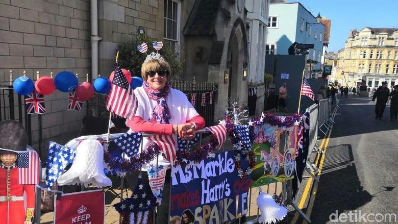 Cerita Dana, Jauh-jauh dari AS Demi Lihat Harry-Meghan Menikah