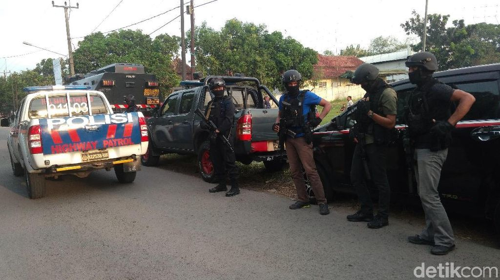 2 Terduga Teroris JAD Cirebon Terkait Kelompok Teror di Tambun