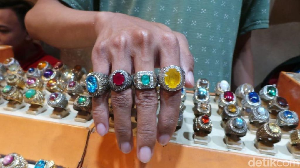 Berapa Harga Batu Mirip Infinity Stone Thanos di Jatinegara?
