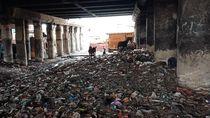 Pembersihan di Kolong Tol Priok Disetop, Sampah Masih Bertebaran