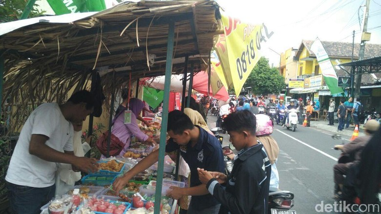 Nuansa Jogja Tempo Doeloe di Pasar Sore Ramadan Nitikan Yogya