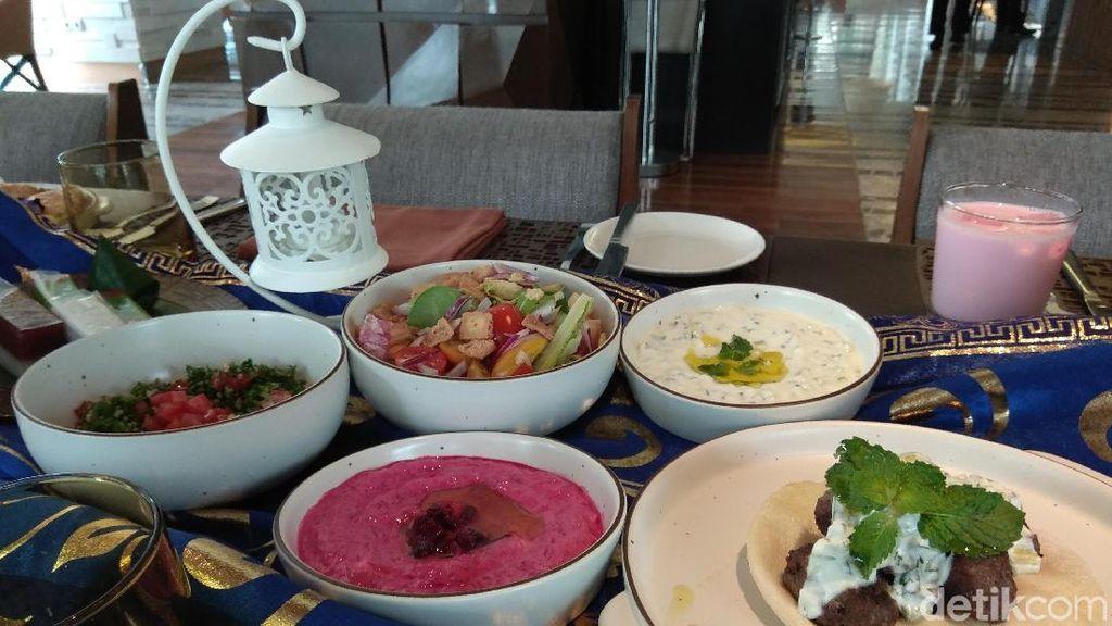 Di Sini Ada Beef Shawarma dan Mie Goreng Jawa yang Pas untuk Buka Puasa